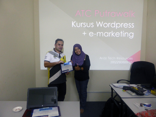 kursus-bina-website-internet-business-marketing-online-sifu-aridz-mazelan-abas-passive-income-bisnes