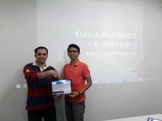 kursus-bina-website-internet-business-marketing-online-sifu-aridz-mazelan-abas-passive-income-kuala-lumpur