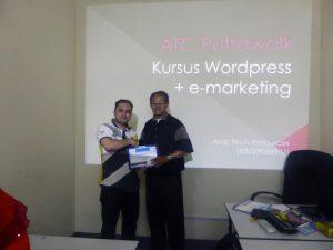 kursus-bina-website-internet-business-marketing-online-sifu-aridz-mazelan-abas-passive-income-mudah